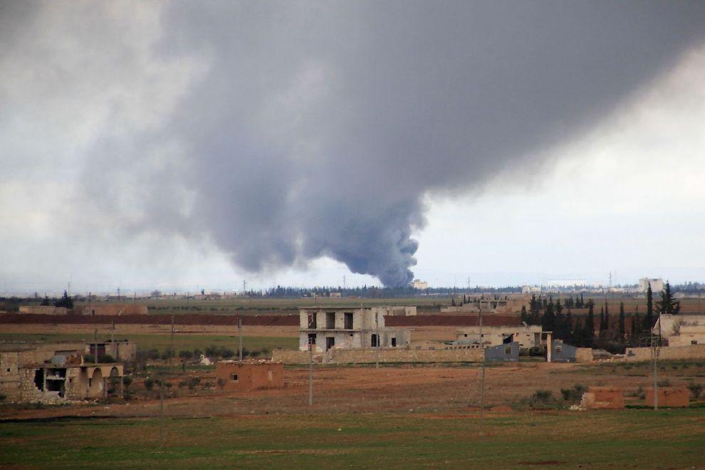 <p>IKKE MER: En røysky vokser etter et russisk flyangrep i Hatabat al-Bab-området i Syria 24. januar. Bombingen i landet skal nå ta slutt, etter en enighet mellom Russland og USA.</p>