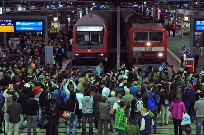 MÜNCHEN, SEPTEMBER 2015: Den enorme strømmen med flyktninger til Tyskland tvang tyskerne til å innføre grensekontroll mot Østerrike i fjor høst.