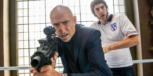 <p>LITT AV ET BRØDREPAR: Mark Strong (foran) er M16-agent mens broren er bare fryktelig dum i «Grimsby».<br/></p>