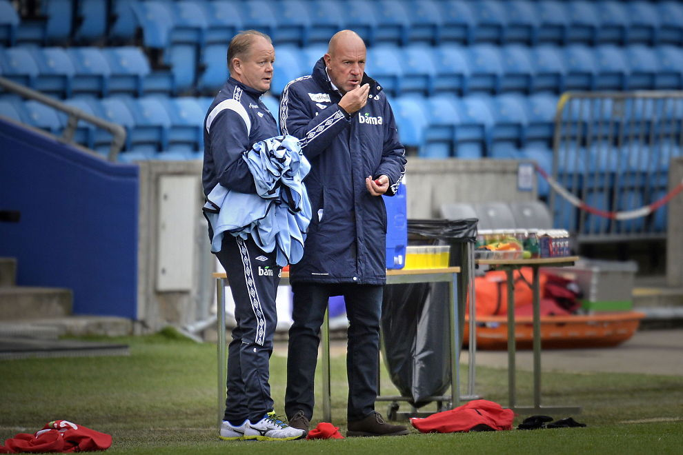 <p>PÅ LØNNSTOPPEN: Landslagssjef Per-Mathias Høgmo og toppfotballsjef Nils Johan Semb er blant de best betalte i NFF, men de er langt fra alene om å ha millionlønninger.</p>
