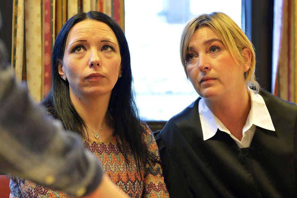 VAR I SYRIA: Ruth Meyer Johansen (t.v.) med bistandsadvokat Tone Norderval i Senja tingrett.