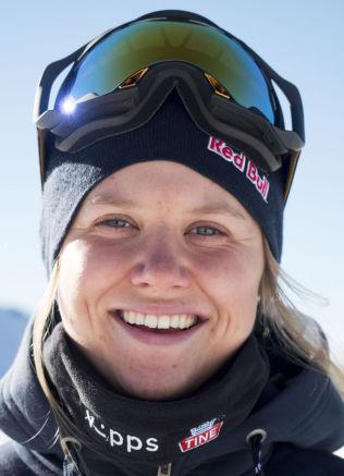 <p>HOPPER I X GAMES: Tiril Sjåstad Christiansen (20) er klar for Big Air-finalen på Tøyen lørdag, fra det 57 meter høye stillaset ved Munchmuseet.</p>