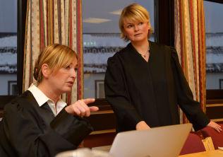 I RETTEN: Bistandsadvokat Tone Norderval (t.v.) og aktor Marie Lygre.