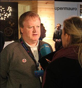 MØTTE MEDIA: NFF-presidenten ble intervjuet av VG, Aftenposten og NRK torsdag. Det er akkreditert 400 journalister til FIFA-kongressen fredag. For første gang har man måtte avvise søknader på grunn av kapasitet.