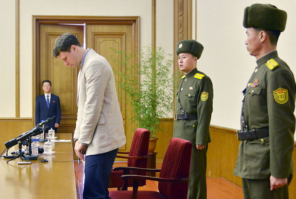<p>STÅR SKOLERETT: Den amerikanske studenten Otto Frederick Warmbier ble vist frem på nord-koreansk TV mandag, tiltalt for «alvorlige forbrytelser» mot staten.</p>