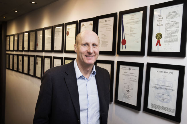 <p>PATENTVEGGEN: Den norske kreftindustrien er bygget på patenter norske kreftforskere har tilegnet seg. Photocure har en hel vegg av disse, og de sikrer selskapets fremtid.<br/></p>
