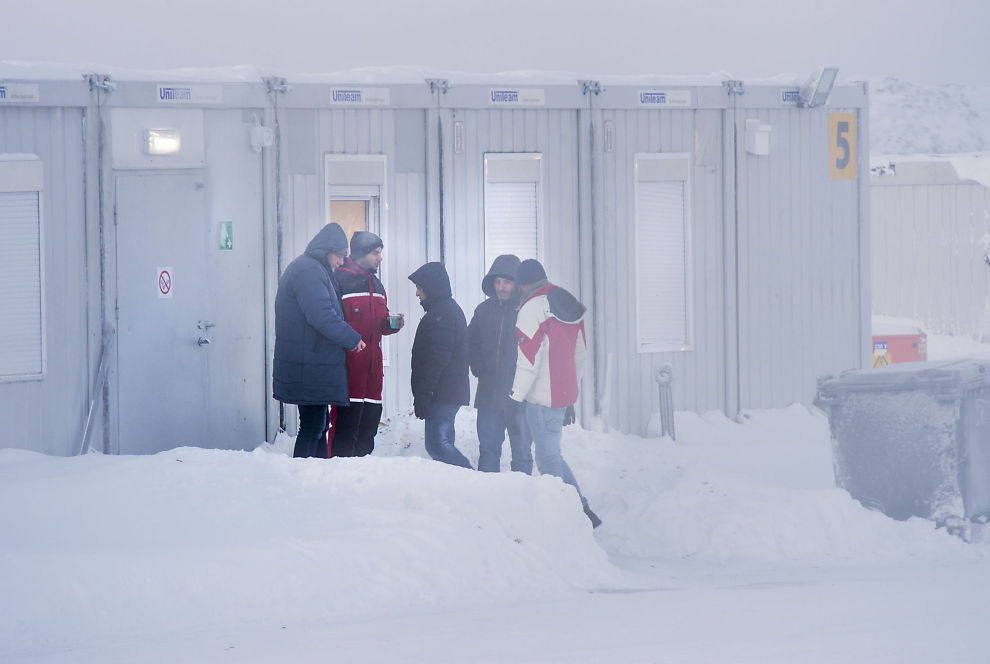<p>VENTET PÅ SVAR: Flere av asylsøkerne som kom via Russland ble innkvartert i Vestleiren. Her utføres det nå asylintervjuer. Fremdeles venter 3500 asylsøkere på svar. Bildet er fra januar.</p>