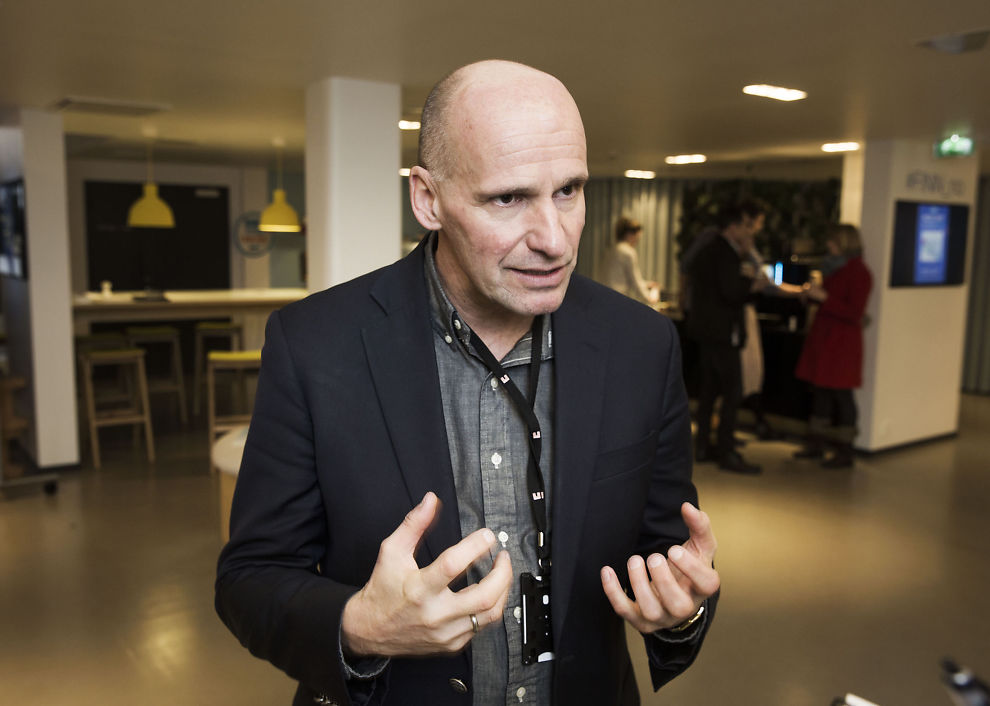 <p>HAR BIDRATT: Geir Lippestad, som nå er byråd i Oslo for arbeiderpartiet, har bidratt i et kulturprosjekt for Norges Fotballforbund.</p>