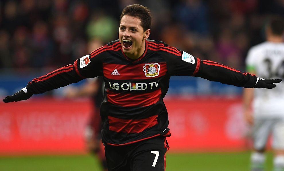 <p>SCORINGSFORM: Javier «Chicharito» Hernández har banket inn 14 ligamål på 20 Bayer Leverkusen-matcher denne sesongen. Nå avslører meksikaneren han fortsatt har kontakt med manageren som brakte ham til Europa, Sir Alex Ferguson.</p>