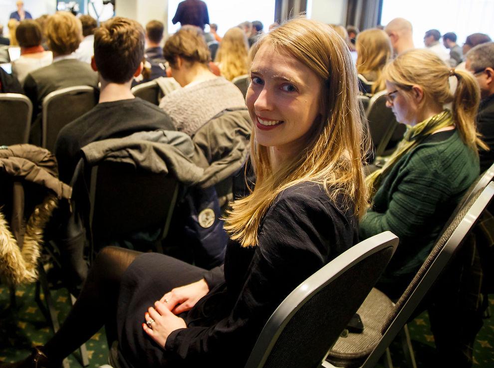 <p>SKOLEPOLITIKER: Venstres Iselin Nybø fikk under landsstyremøtet lørdag regjeringen med seg på å gi erfarne lærere generell dispensasjon fra de nye kompetansekravene som Stortinget vedtok i fjor. Nå har lærerne ti år på seg til å etterutdanne seg for å oppfylle kravene.</p>