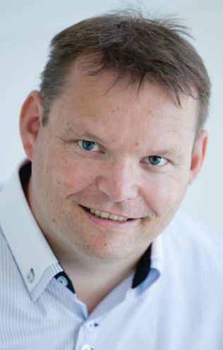 <p/> <p>ORDFØRER: Knut Erik Engh (Frp) i Ulstein.<br/></p>
