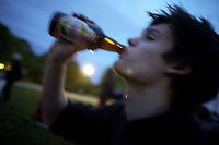 Unge drikker og røyker mindre enn før, men jenter sliter mer i hverdagen