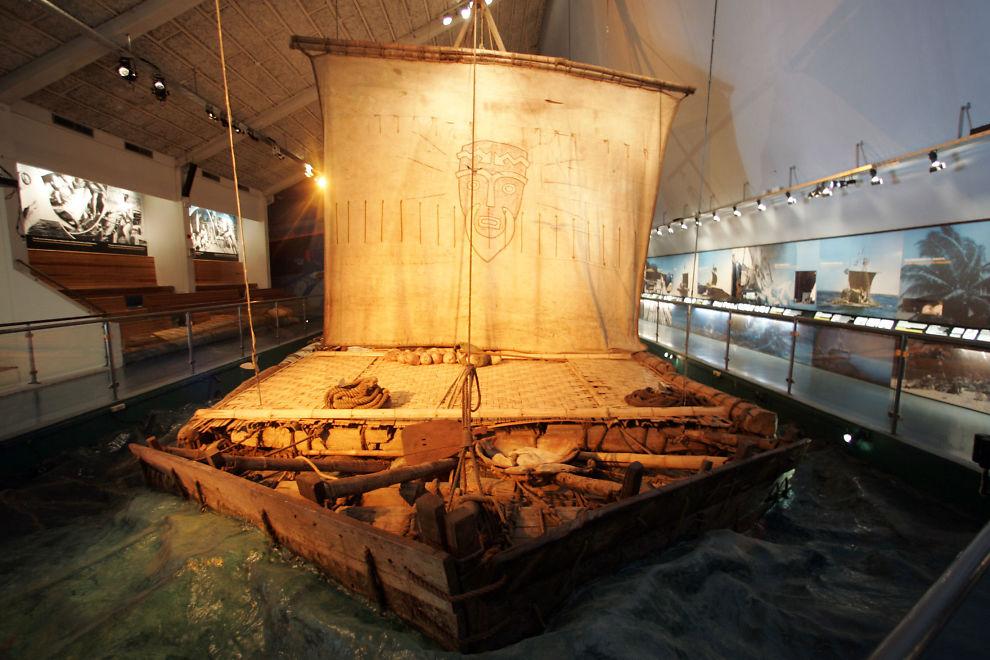<p>I likhet med Thor Heyerdahls Kon-tiki i 1947 brukte Kon tiki 2-ekspedisjonen balsaflåter på reisen fra Peru til Påskeøya. Foto: Cornelius Poppe / SCANPIX .</p>