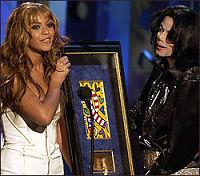 Hyllet Michael Jackson i natt