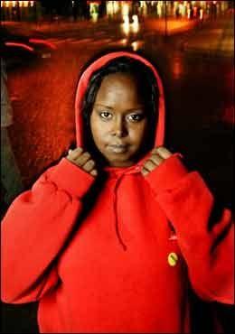 KAMPKLAR: Norsk-somaliske Saynab vil kjempe mot omskjæring og tvangsekteskap på innvandrerjentenes premisser. Hun har fått nok av norske ekspertråd. Foto: Karin Beate Nøsterud
