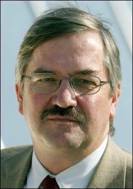 DIPLOMAT: Tidligere ambassadesekretær ved ambassaden i Manila, nå chargé d`affaires i Sudan, Stein Undheim, ble tatt av saken i 1996 - formelt på grunn av «samarbeidsproblemer» med Andreassen. Foto: Scanpix