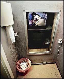 ONANIROM: I annen etasje får menn utløsning i private pornofilmrom for 100 kroner. Foto: Thomas Andreassen