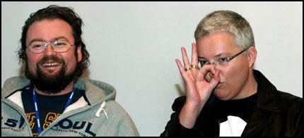 PROGRAMLEDERNE: Årets programledere Brita Møystad Engseth og Adam Alsing presenterte «Big Brother»-deltagerne lørdag. Foto: Scanpix