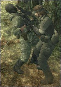 NÆRKAMP: Det nye nærkampsystemet, Close Quarter Combat, er tøffere enn toget. Foto: Konami