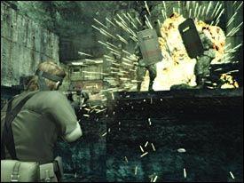 ACTION: Du kan naturligvis velge en mer eksplosiv vei gjennom spillet dersom du ikke ønsker å ligge i gresset og luske. Foto: Konami