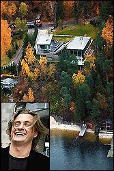 ARKITEKT-PERLE: Joakim Varner (bildet) har latt bygge en helt spesiell bolig på Nesøya. Med eksklusive materialer som titan, skifer og amerikansk rødt sedertre er bygget noe for seg selv. Foto: Frode Hansen
