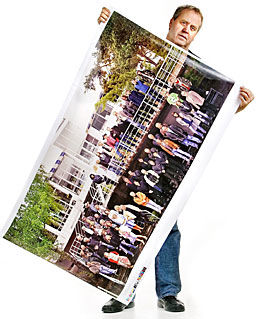 CD-SAMLEREN: - Det er en unik og gedigen samling, med alt fra a-ha til Alf Prøysen, sier prosjektleder Tor Milde om CD-boksen «Norsk musikk i 100». Foto: Jørgen Braastad