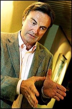 HØYRE-MANN GIR VENSTRE-STØTTE: Høyre-medlem Ola Mæle har startet kronerulling for Venstre blant rike Høyre- bidragsytere. Han tror Venstre er jokeren som kan sikre borgerlig valgseier. Foto: