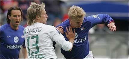 UT OG INN: Vålerenga hentet i dag Jarl Andre Storbæk, mens Steffen Iversen sannsynligvis er på vei ut døra. Foto: Scanpix