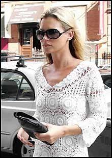 SPARKET: Kate Moss skrev brev til H&M, men det hjalp ikke. Nå er hun sparket. Foto: Scanpix