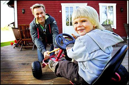 MISJONÆRSØNN: Da Lucas (3) ble født, hadde Idol-dommer David Eriksen navnet klart. - Jeg kjente navnet fra Bibelen, jeg er jo misjonærsønn, forklarer den kjente musikkpappaen. Foto: Jan Petter Lynau