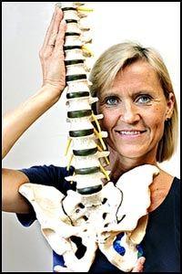 GIR HÅP: En ny metode til hjelp mot bekkenplager gir håp for mange tusen kvinner som sliter med problemer etter fødselen, ifølge fysioterapeut og doktorand Britt Stuge ved Universitetet i Oslo. Foto: Janne Møller-Hansen