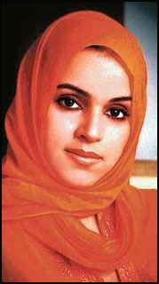 TV-STJERNE: Rania al-Baz brukte ikke heldekkende slør på saudiarabisk TV. Den unge og vakre kvinnen ble populær, men ble også sett på som en trussel i det mannsdominerte og konservative samfunnet. Foto: PRIVAT Foto: