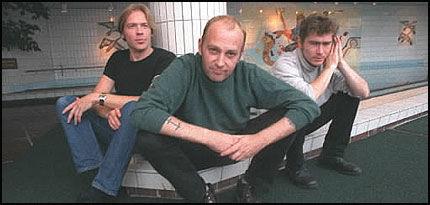 GATEMUSIKANT: Dersom Oslo-politikere får det som de vil, kan den avdøde rockeren Joachim «Jokke» Nielsen få en gate oppkalt etter seg. Her er han i 1997 sammen med Tourettes. Foto: Bente Frøytlog/VG. Foto: