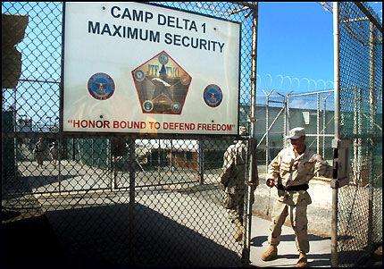 BRUTALE: I følge CIA-agenter er svært brutale avhørsmetoder godkjent fra høyeste hold i amerikanske fengsler. Foto: EPA.