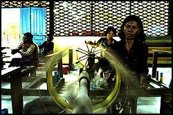 KVALITET: Kjøper du silke som er laget på autoriserte steder, får du fantastisk kvalitet. Foto: Harald Henden