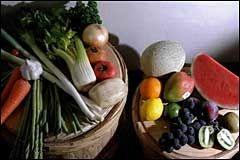 FETTFATTIG: Grønnsaker og frukt er viktige ingredienser i et fettfattig kosthold. Foto: VG