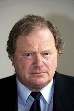 ANGRER: Sjefredaktør Carsten Juste i Jyllands-Posten. Foto: AP