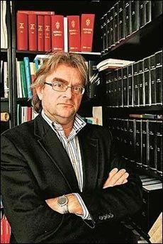 BOM STOPP? Jusprofessor og ekspert på europarett, Ola Mestad, peker på at EU nekter bompengeprosjekt som finansierer andre veinett. Foto: Frode Hansen
