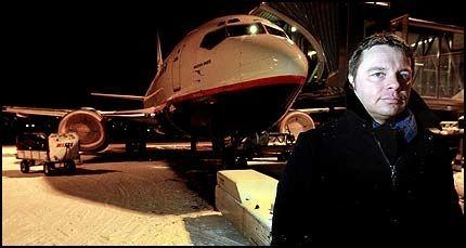 SLÅR ALARM: - Dette er alvorlig, sier John Kristoffersen, medlem i flysikkerhetskomiteen i Norsk Flygerforbund - og spesialist på området «human performance». Foto: Lars Åke Andersen