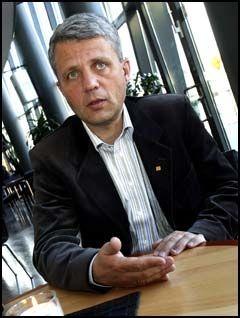 ADVARTE: - Forvirringen rundt Hamas-støtten er akkurat det vi advarte mot før valget, SV roter til utenrikspolitikken gang på gang, sier KrF-leder Dagfinn Høybråten. Foto: VG