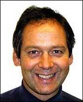 ANBEFALER C-VITAMINER: Spesialist i allmennmedisin, Stig Bruset, anbefaler C-vitaminer som et suplement til annen allergibehandling. Foto:
