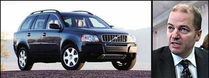 KJØRER FLOTT: Odd Roger Enoksen har en Volvo XC90 til 800.000 kroner som firmabil. - En bil jeg ikke har problemer med å forsvare, sier olje- og energiministeren. Foto: Volvo og Jan Petter Lynau