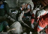 54 sivile drept i israelsk luftangrep
