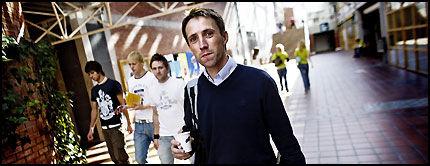 FORSKER: Psykolog Pål-Ørjan Johansen frykter forskningen vil stoppe hvis folk tror at psykiatriske pasienter får ecstasy. Foto: Øyvind Nordahl Næss.