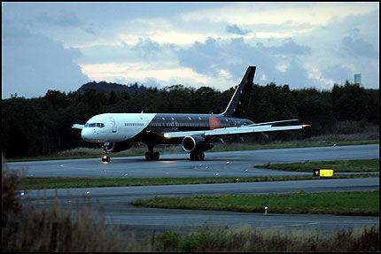 HAR LANDET: Rolling Stones landet på Flesland i dette flyet klokken 20.45 onsdag. Foto: Hallgeir Vågenes