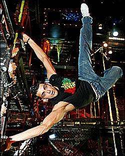 THATAAL: Dansefeber-vinner Adil Thaatal skal ifølge faren ha skapt status rundt slektsnavnet. Foto: Nils Bjåland