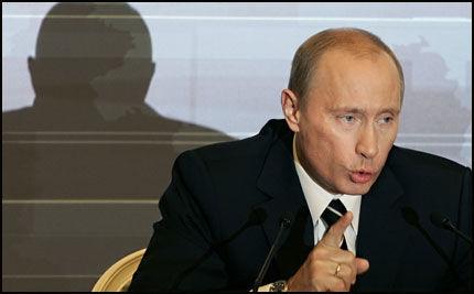 POSITIV: Putin ønsker Statoil og Hydro velkommen til Russland. Foto: AP
