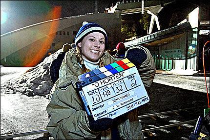 KARRIEREHOPP: Skihopper Anette Sagen har tidligere spilt i en reklamefilm for MOT. Nå debuterer hun som filmskuespiller i Bent Hamers kommende komedie «O' Horten». Foto: Jan Petter Lynau