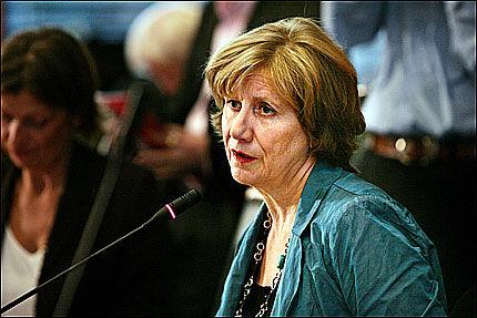 UNDER PRESS: Gerd-Liv Valla har vært under et stort press, siden Ingunn Yssen sa opp og kom med krasse anklager mot LO-lederen. Foto: Frode Hansen