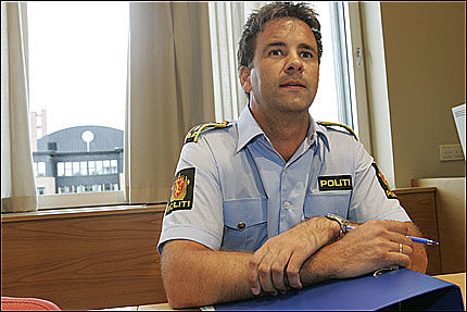 ETTERFORSKER: Politiinspektør Fredrik Rieber-Mohn varslet skolen da læreren ble anmeldt for sexchatting med unge jenter. Foto: SCANPIX